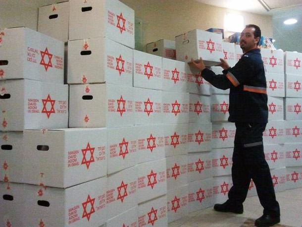 חלוקת חבילות מזון לנזקקים